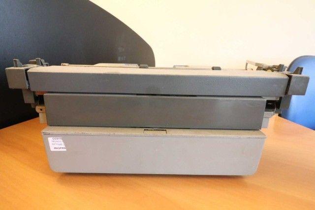 Máquina de Escrever / Olivetti / em Metal Cinza / Bege (Ler Observações) - Foto 5