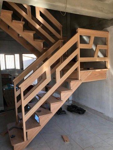 Escadas de madeira nobre  - Foto 5