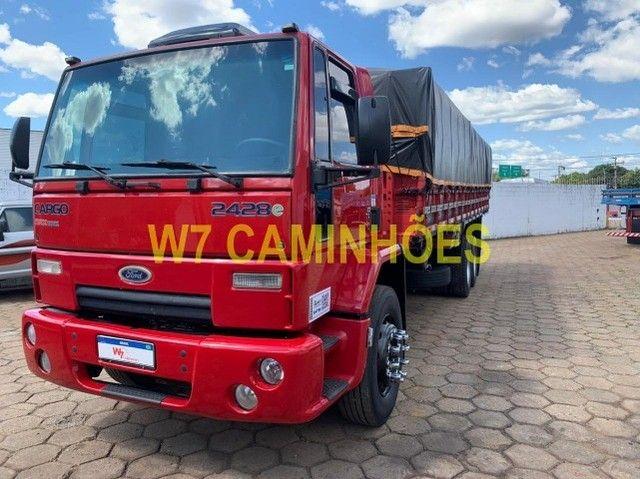 Cargo 2428 Truck Graneleiro 2010/2011 - Foto 13
