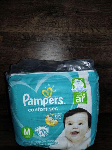4 pacotes de fraldas Pampers confort sec M70 Promoção