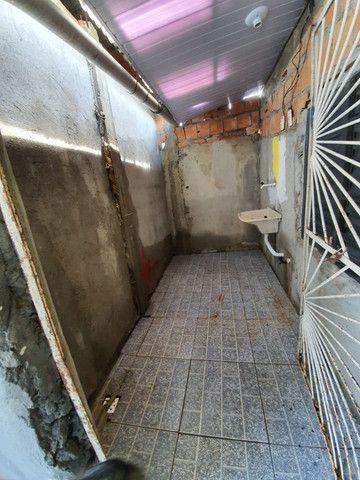 Vendo ou Troco casa com ponto comercial - Foto 8