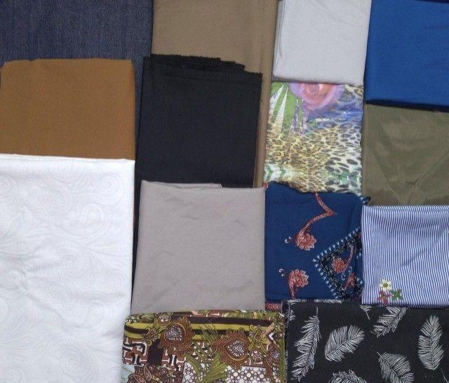 Retalhos de tecidos diversos( Leia a descrição)
