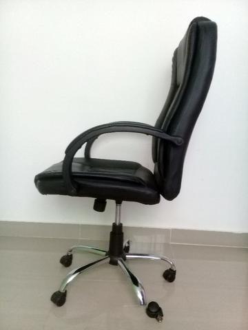 Cadeira Giratória Presidente para Escritório