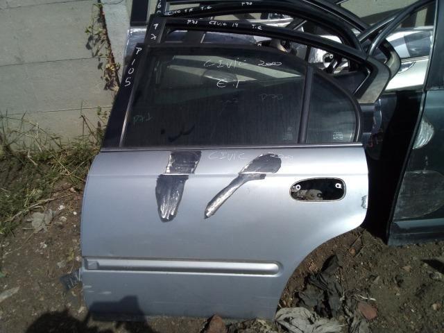 Porta traseira esquerda Honda Civic 2002