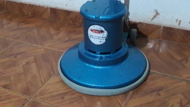 Locação de máquinas enceradeiras tamaonho 350mm e 500mm ! Aspiradores - Foto 2