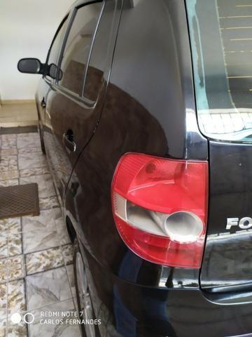 Vendo VW Fox 1.6 2005 4p Flex/GNV com ar/dh/trava - Foto 4
