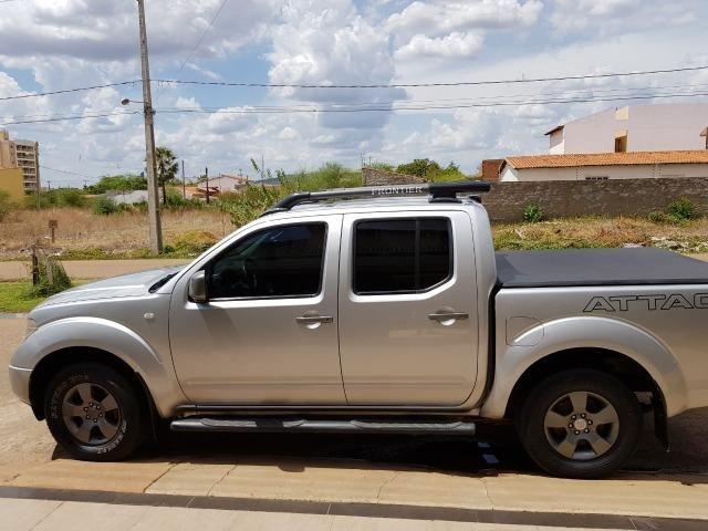 Nissan Frontier em perfeito estado