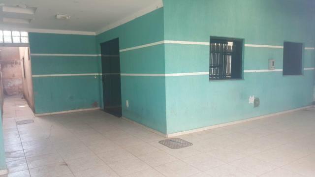 Qnp 34 03 qtos + suite. aceita financiamento e fgts. casa sozinha no lote. aceita veiculo - Foto 2