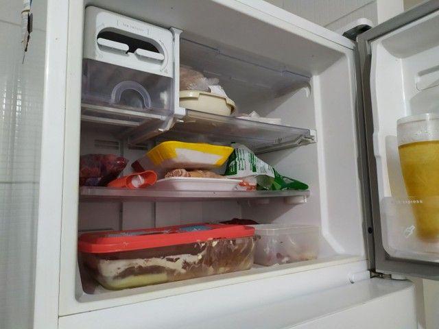 Refrigerador Electrolux Frost Free TF51 2 Portas Branco ? 433 Litros - Foto 5