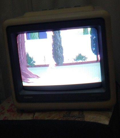 """Tv Semp 10"""" modelo 1021 c/ controle remoto - Foto 2"""
