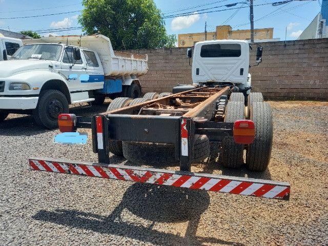 Caminhão 6x4. 274CV. Ano e modelo: 2015. - Foto 2