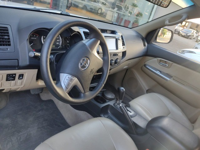 Toyota Hylux SW4 SR 5 Lugares Flex Automática  - Foto 11