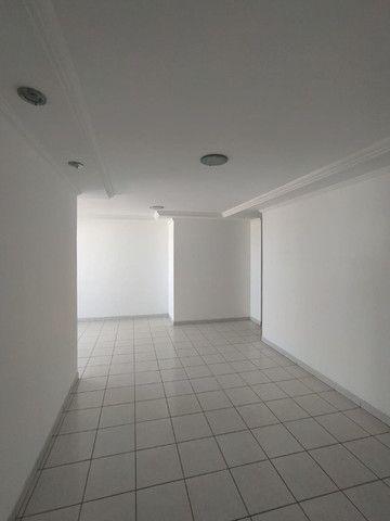 03 quartos nos Bancários, com elevador e piscina! A poucos metros da principal! - Foto 4