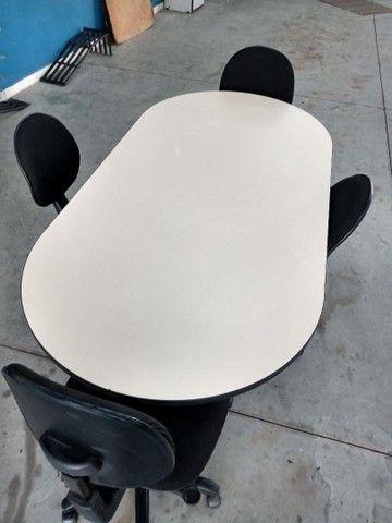 Bancada de trabalho / mesa de reunião com 4 cadeiras