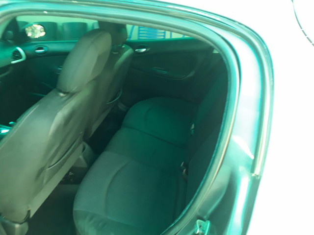 Peugeot 207 XS 1.6 Automático  - Foto 8