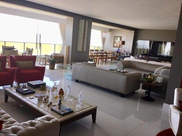 Apartamento luxuoso com vista mar todo projetado na Ponta do Farol - Foto 9
