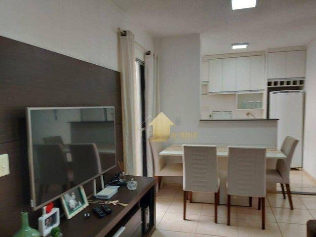 Apartamento com 2 dormitórios à venda, 40 m² por R$ 165.000,00 - Chácara dos Pinheiros - C