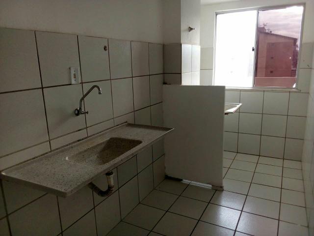 Alugo Apartamento no Condomínio Ponta Verde