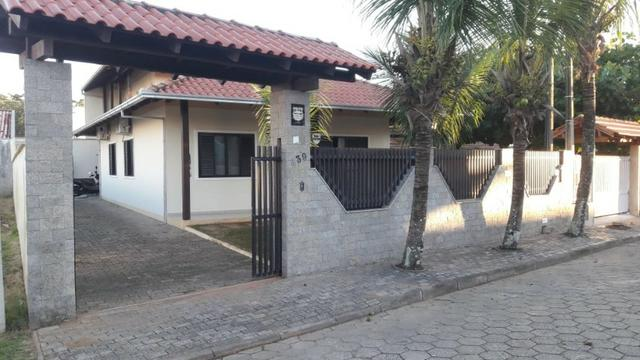 Vende / Aluga 3 Quartos + 1 suíte - 300 mts da Praia