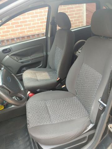 Ford Fiesta Sedan 1.6 Flex Completo GNV Mercosul Ar Gelando Vidro Direção Alarme Som DVD - Foto 8