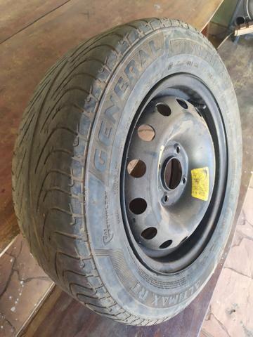 Vendo pneu Aro 14 perfuração 4/108 ZAP