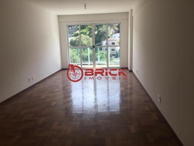 Ótimo apartamento com 3 quartos sendo 1 suíte no bairro Tijuca