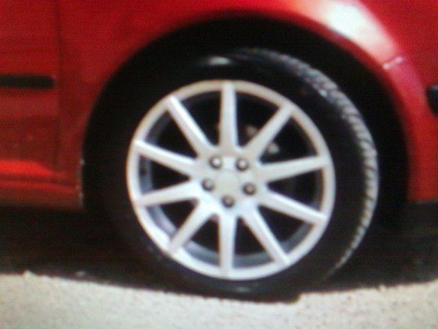 """Jogo de rodas 17"""" Binno com pneus - Foto 2"""