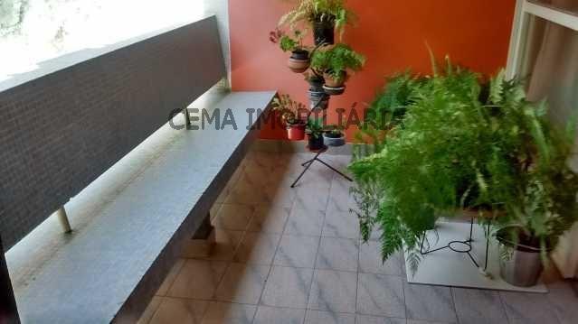 Apartamento à venda com 3 dormitórios em Flamengo, Rio de janeiro cod:LAAP30496