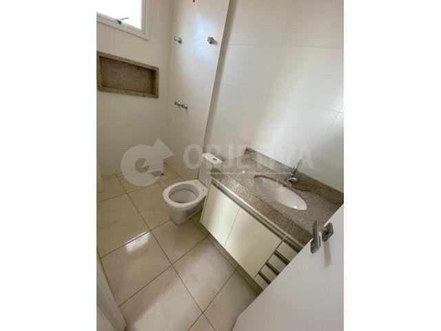 Apartamento para alugar com 3 dormitórios em Carajas, Uberlandia cod:470340 - Foto 17