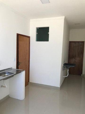 Vendo Linda Casa no Novo Aleixo 02 quartos Fino Acabamento - Foto 3