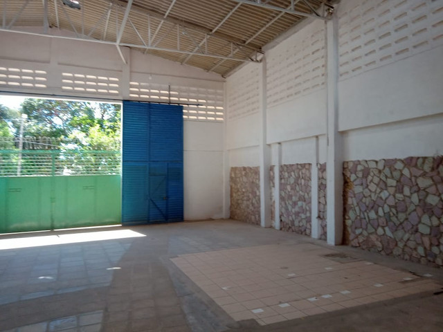 GersonMenezes Aluga Casa C/4/Qts/+Galpão/5. Mil. - Foto 2