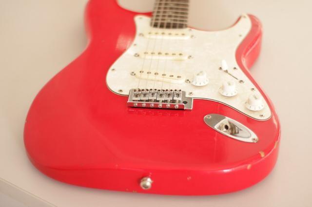 Guitarra Squier de 1994 com captação fender
