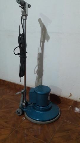 Locação de máquinas enceradeiras tamaonho 350mm e 500mm ! Aspiradores