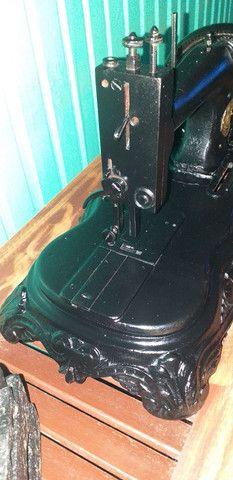 Máquina de costura antiga decoração  - Foto 3