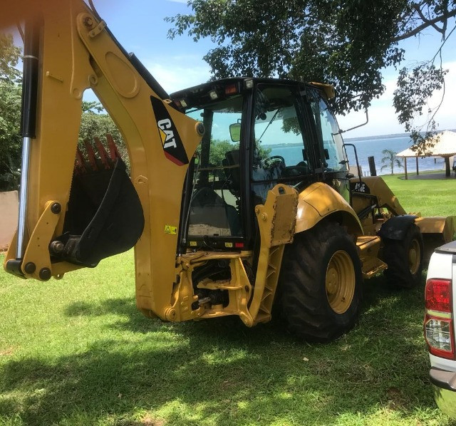 Retroescavadeira caterpillar 416e 4X4 2016 - Foto 2