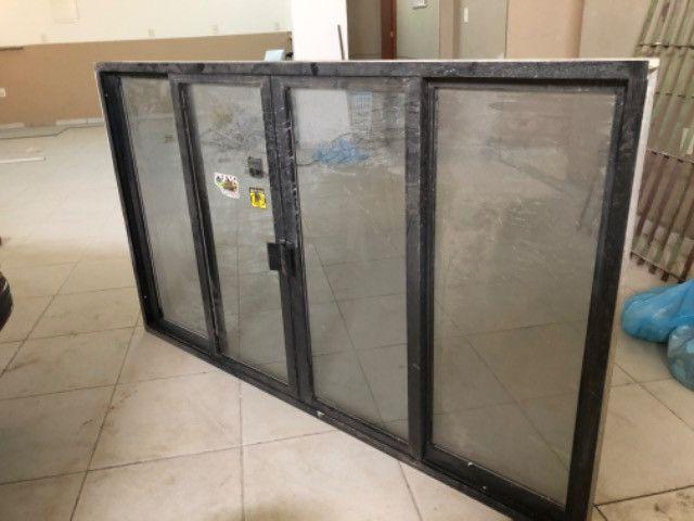 Vendo 5 janelas em alumínio, completas - valor de cada uma
