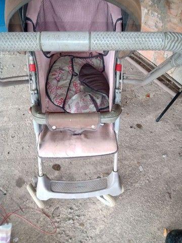 Carrinho de bebê da Galzerano, e uma andadeira  - Foto 2