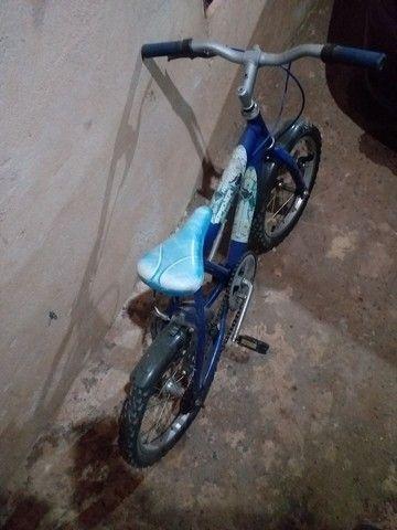 Bicicleta  menino aro 16 - Foto 3
