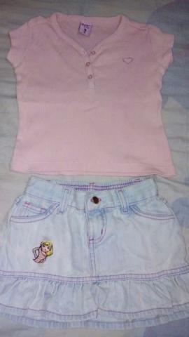 Saia jeans e Blusa com detalhe de coração em strass