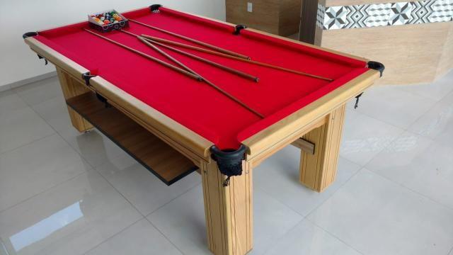 Mesa de Bilhar Maciça Cor Cerejeira Tecido Vermelho Pés Laterais Modelo THG4589