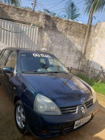 Vendo esse veículo Renault Clio 2006 - Foto 2
