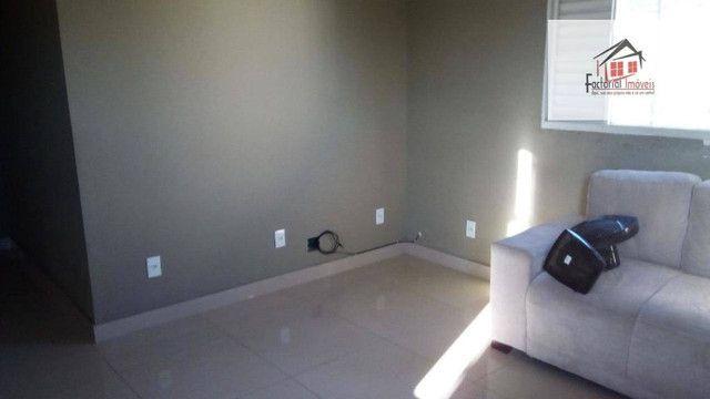 Vendo casa, 5 quartos, 1 suíte, 2 salas, quintal amplo. Bairro Coqueiros - Foto 6