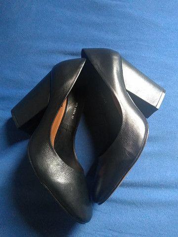 Par de sapatos femininos Emporio Naka - Foto 2