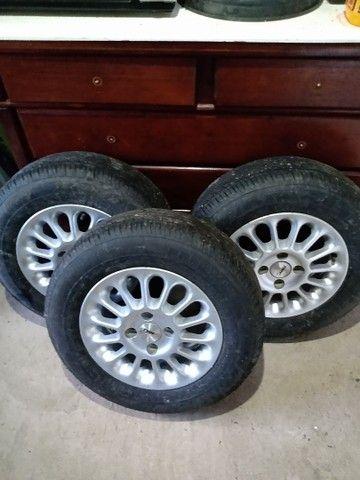 Roda de liga com pneu - Foto 3