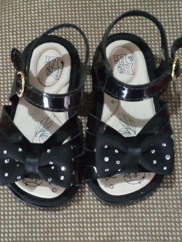 VENDO as 2 sandálias  - Foto 3