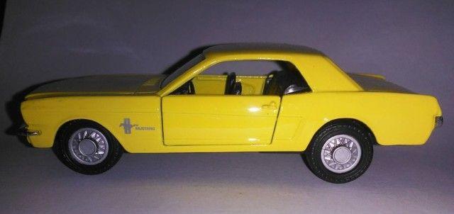 .'. Miniatura 64 Ford Mustang - Maisto Escala 1:39 - Foto 3
