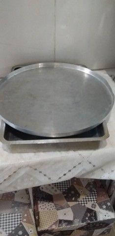 Dois tabuleiro grande bom prA quem trabalhA com pensão  nao cabe no meu forno - Foto 2