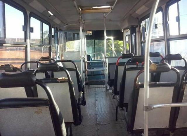 Vende-se um micro-ônibus 2001 - Foto 5