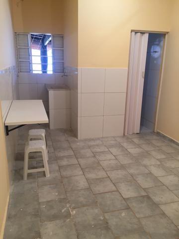 Suíte independente com garagem coberta no Guará I - Foto 9