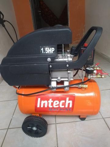 Vende-se um compressor Intech Machine1.5HP,e um aspirador de Pó e Água Wap GTW